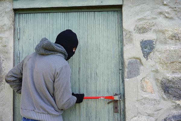 ¿Conoces las técnicas que utilizan los ladrones para entrar en las viviendas?